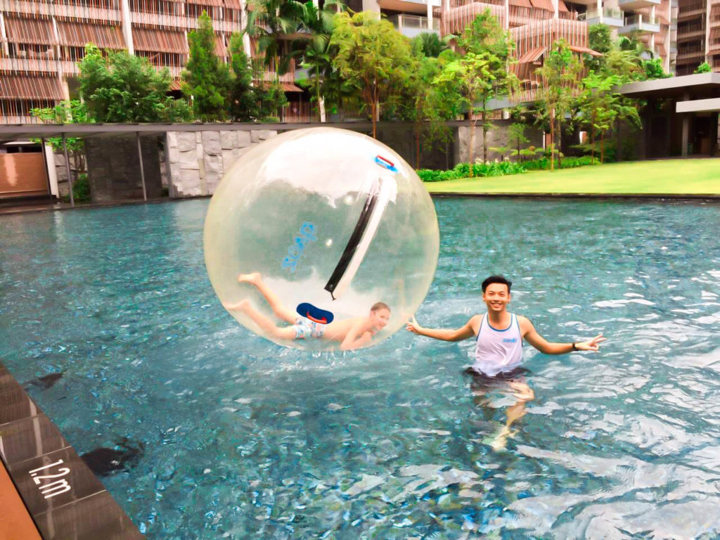 Water walking ball sg
