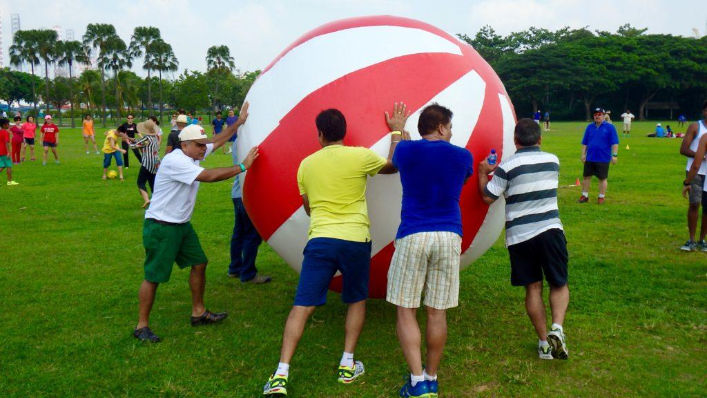 Gigantic Beach Push Ball